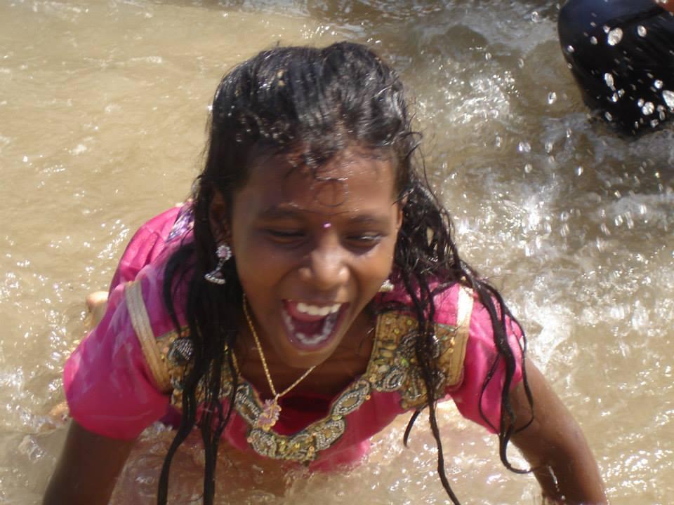 Sortie à Paradise beach avec les enfants et les familles soutenues par l'association