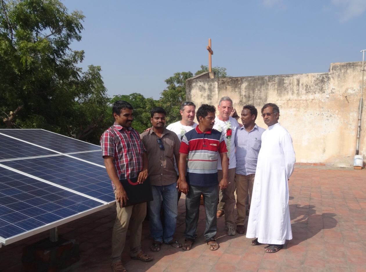 Inauguration des panneaux solaires à l'école d'Attipakam